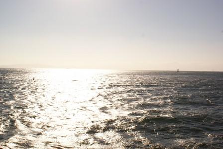 篠島 海上