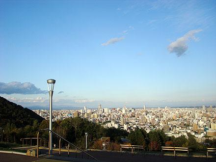夕暮れの旭山記念公園