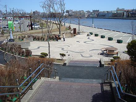 幣舞橋付近の公園