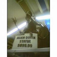 alienstatue.jpg