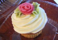 rosecupcake.jpg