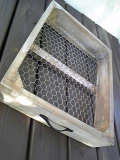 チキンネットの木箱