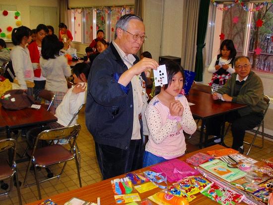 20100313西自治会子ども会6年生を送る会0009