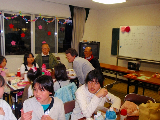 20100313西自治会子ども会6年生を送る会0016