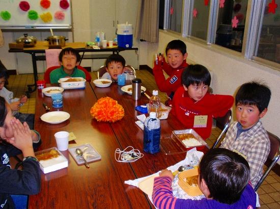 20100313西自治会子ども会6年生を送る会0013