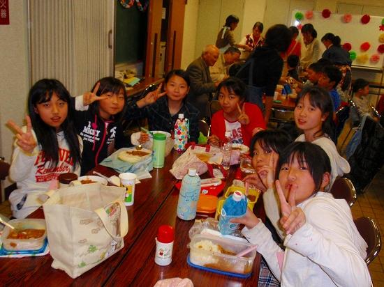 20100313西自治会子ども会6年生を送る会0020