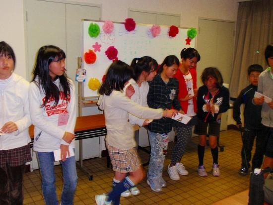 20100313西自治会子ども会6年生を送る会0046