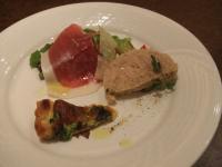 Bar e Ristrante TABLIER 前菜とサラダの盛り合わせ