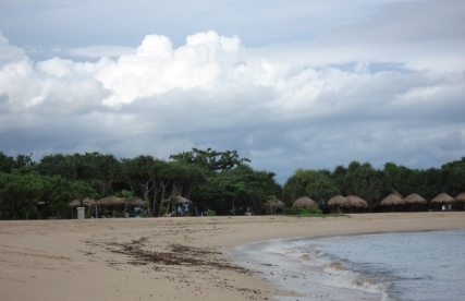 uki_beach1.jpg