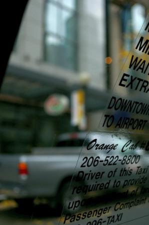 タクシーの窓