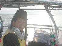 ズームアップです♪スーツ姿の藤森組合長も紳士的で素敵ですけど海の男スタイルもキマッてますね~