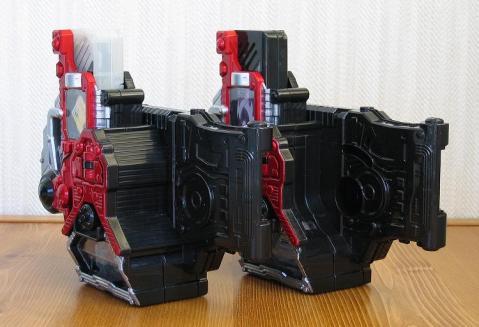 ロストドライバー(左)とダブルドライバーからの改造版(右)
