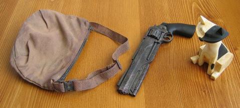 付属品(バッグ、銃、猫)