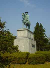 毛利公の銅像