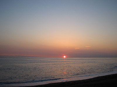 西の空では 落陽