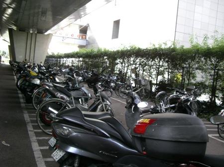 5バイク置き場が嬉しい