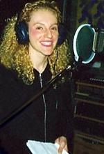 レコーディング中のエレナさん