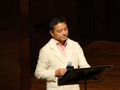 司会とナレーションは朝岡聡さん