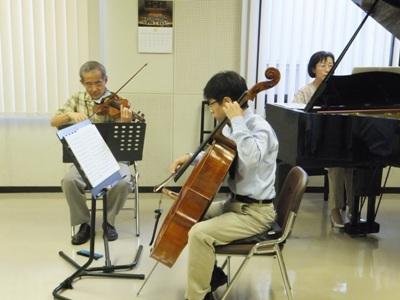 """モーツァルト""""ピアノ三重奏第3番""""練習中"""
