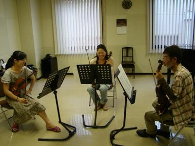 公演番号22番の弦楽トリオ