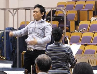 ステージから見た監督と小川明子さん