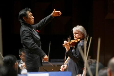 ヴァイオリン協奏曲を弾くボリス・ベルキン
