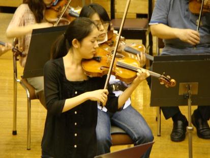 ヴァイオリンソロは南紫音さん