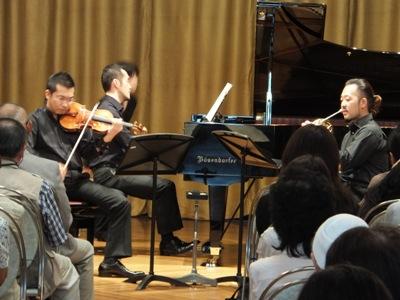 ホルンとヴァイオリンの為のトリオ