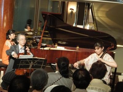 チェロ織田と石田、ピアノ高木さん