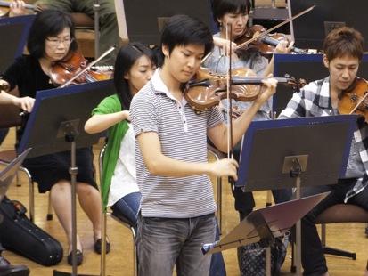 ヴァイオリン独奏は成田達輝さん