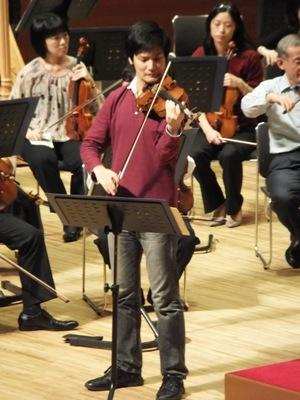 ヴァイオリンは成田達輝さん