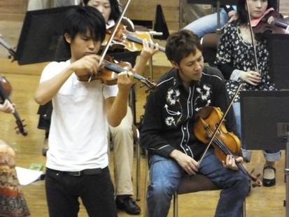 ヴァイオリンは三浦文彰さん