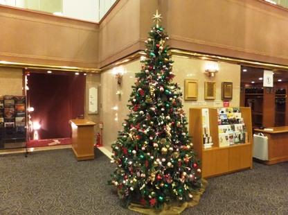 いずみホールにはクリスマスツリーが!