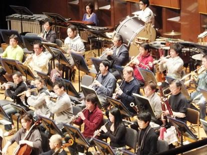 管楽器のメンバー演奏中