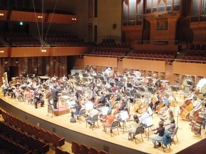 オーケストラ演奏風景