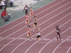 女子400mのゴールシーン