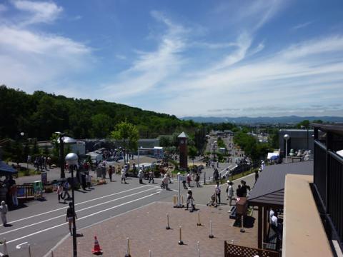 旭山動物園の風景。正門から登っていく形になります。