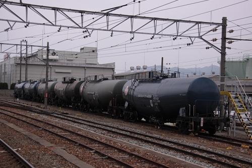 西上田駅タンク車