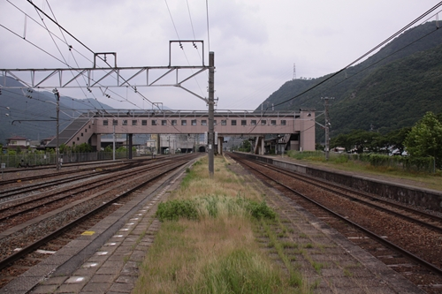 西上田駅2番線・3番線ホーム篠ノ井方面