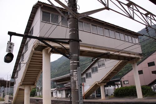 西上田駅跨線橋