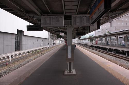 上田駅しなの鉄道1番線・2番線ホーム軽井沢方面