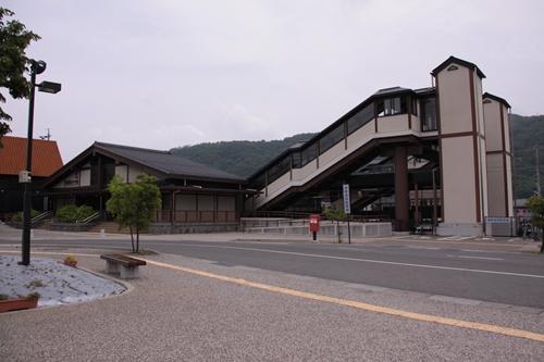 信濃国分寺駅駅舎全景