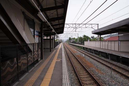 信濃国分寺駅1番線ホーム軽井沢方面