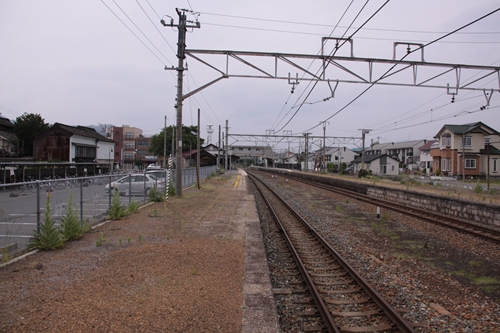 大屋駅1番線ホーム篠ノ井方面