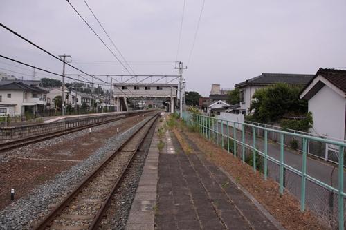 大屋駅1番線ホーム軽井沢方面
