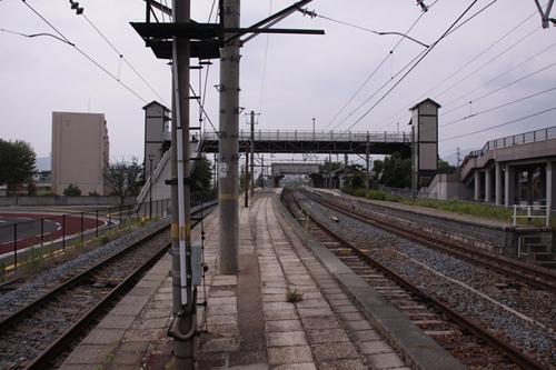 田中駅2番線・3番線ホーム篠ノ井方面
