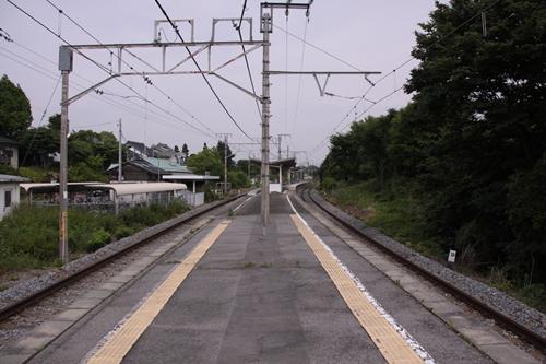 滋野駅ホーム軽井沢方面