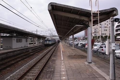 小諸駅1番線ホーム篠ノ井方面