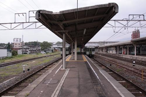 小諸駅4番線・5番線ホーム篠ノ井方面