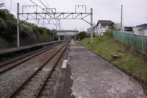御代田駅1番線ホーム軽井沢方面